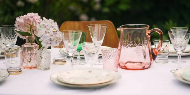 De la vaisselle vintage pour des fêtes et des mariages bohèmes et chic - La DH