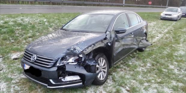 Plusieurs voitures accidentées à cause de la grêle à Châtelineau - La DH
