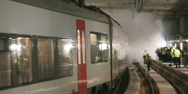 Fumée, cris et catastrophe dans le tunnel Schuman-Josaphat (PHOTOS) - La DH