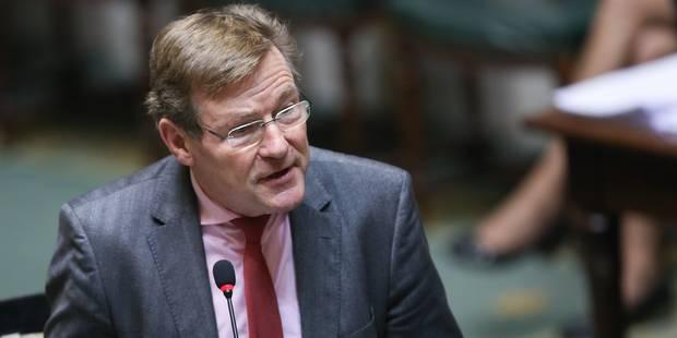 Johan Van Overtveldt s'exprime contre la baisse des taux des comptes d'épargne - La DH