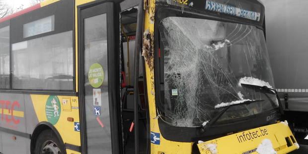 Seize adolescents blessés dans l'accident d'un bus à Assenois - La DH