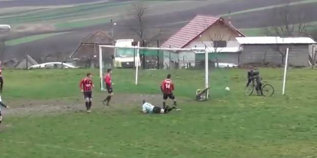 Un but fantôme en D4... roumaine ! (VIDEO) - La DH