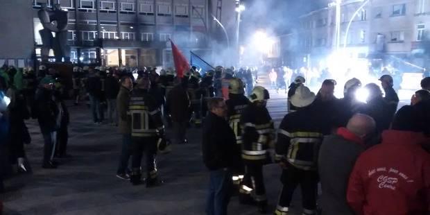 La Louvière: les pompiers inondent le rez-de-chaussée de l'administration communale (VIDEO) - La DH