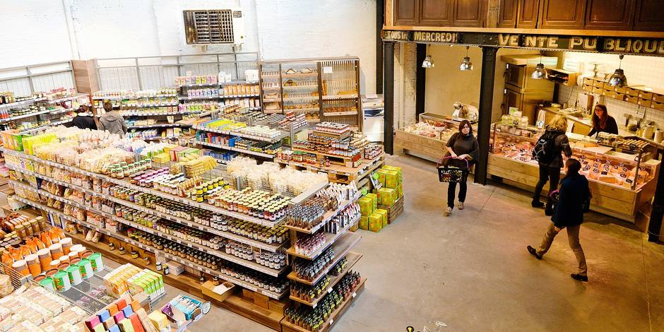 """Le concept existait déjà ailleurs, notamment à Brooklyn, avec le formidable """"Park Slope Food Coop"""", voilà qu'il débarque à Bruxelles pour le plus grand plaisir des gourmands conscientisés. Avec son nom surfant sur le succès des tendances nordiques, """"Färm"""" propose dans le quartier Sainte-Catherine 380 m² de produits bio"""
