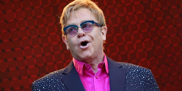 Elton John se défend d'accusations de harcèlement sexuel - La DH
