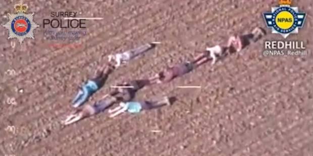 Ces enfants forment une flèche humaine pour aider la police - La DH