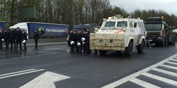 Taxe kilométrique: les barrages levés dans le calme par la police - La DH