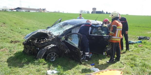 Lobbes: trois blessés lors d'une sortie de route - La DH