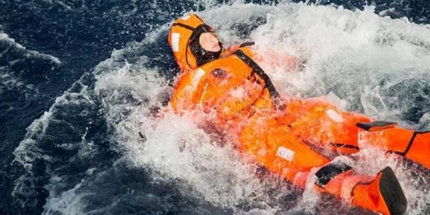 Une ministre norvégienne s'est jetée à l'eau pour se mettre dans la peau des migrants (VIDEO) - La DH