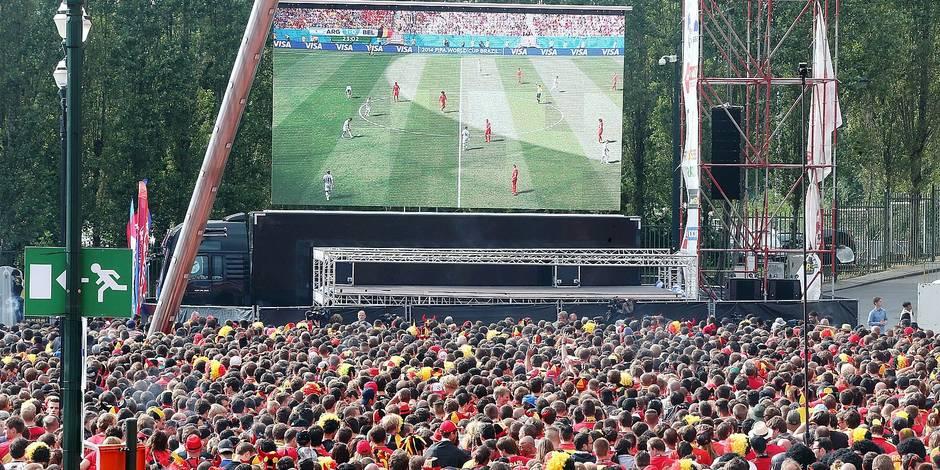 Résultats de recherche d'images pour «ecran geant foot»