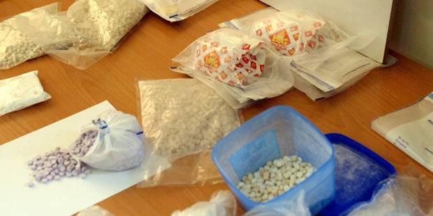 Un réseau produisant des millions de pilules d'ecstasy démantelé en Belgique et aux Pays-Bas