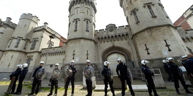 Les policiers fédéraux quittent les prisons de Forest et Saint-Gilles, vives inquiétudes - La DH