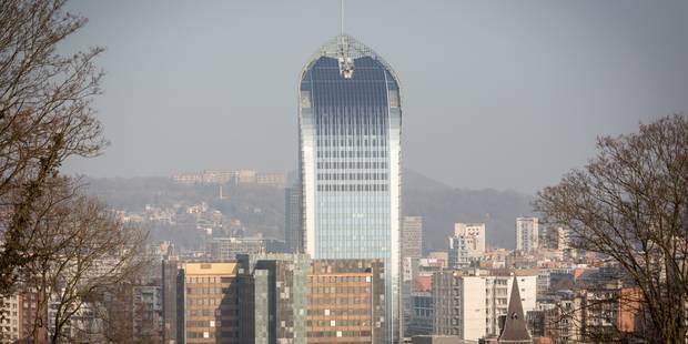 La tour des finances à Liège vidée par les affiliés de la CGSP - La DH