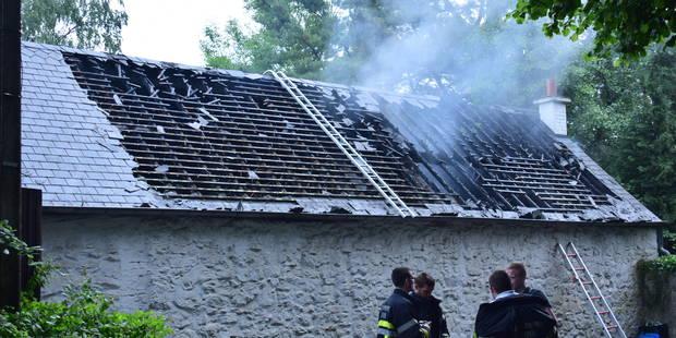 Une maison détruite par un incendie à Silenrieux - La DH