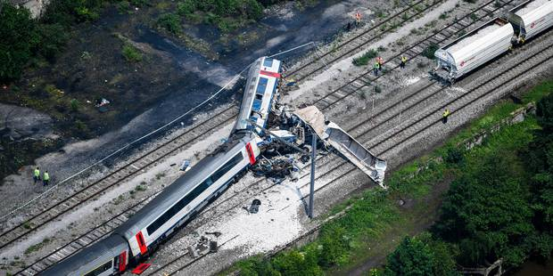 Accident ferroviaire: la boîte noire du train de voyageurs a été retrouvée - La DH