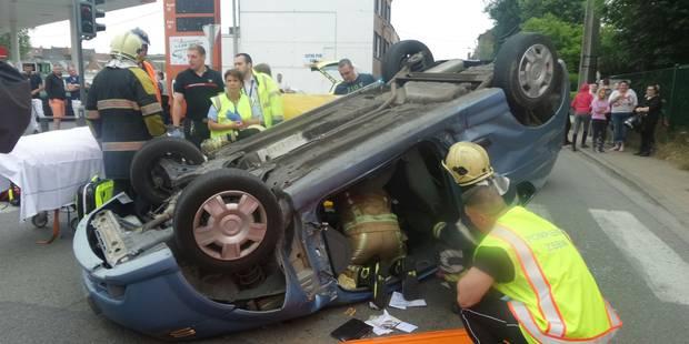 Gosselies: sur le toit après une collision (PHOTOS) - La DH