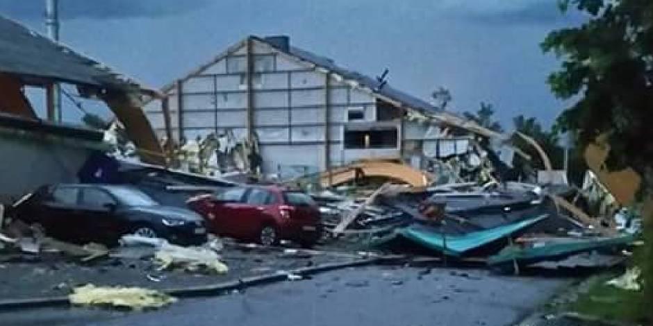 Violente tempête à Jodoigne: le hall omnisport effondré et des toitures envolées (PHOTOS)