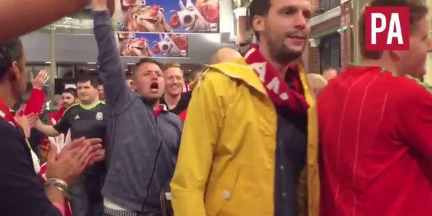 La haie d'honneur des Belges aux supporters gallois - La DH