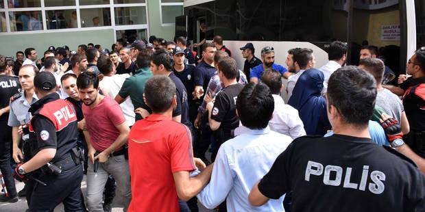Turquie: La purge s'étend aux médias et aux enseignants - La DH