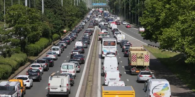 La circulation toujours ralentie sur le ring ext�rieur de Bruxelles � la suite d'un accident