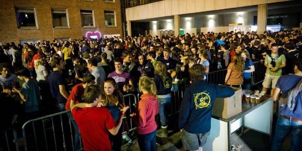 Les autorités engagent des jeunes pour faire la fête - La DH
