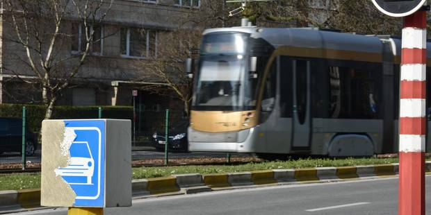 Stib: cinq voyageurs légèrement blessés lors d'un incident de tram à Rogier - La DH