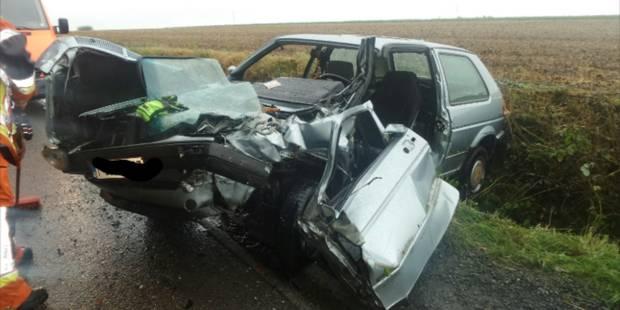 Terrible accident à Lobbes: Deux blessés lors d'une collision frontale - La DH