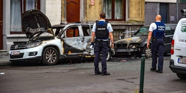 Incroyable: un policier molenbeekois mouillé dans un trafic de voitures volées ! - La DH