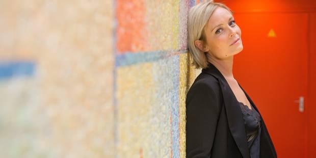 Ophélie Fontana dans le cube de Viva For Life - La DH