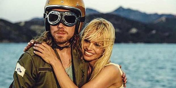Pamela Anderson dans les bras de? Julien Doré! (VIDEO) - La DH