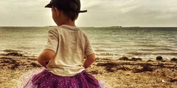 Un petit garçon qui portait des tutus vilipendé en public : sa mère répond parfaitement - La DH