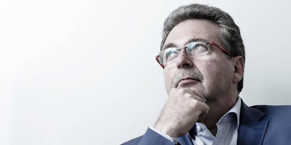Rudi Vervoort attaque le décret inscription et veut avancer sur la taxe au kilomètre - La DH