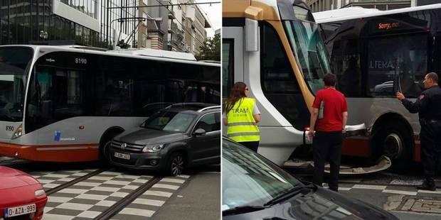 Bruxelles : Spectaculaire collision entre un tram, un bus et une voiture - La DH