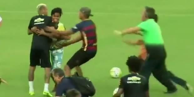 Quand Neymar se fait plaquer au sol par des supporters - La DH