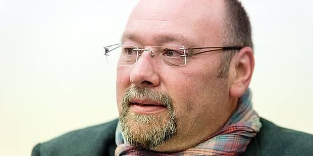 R. Waselynck demande une présence policière au conseil communal de Frameries - La DH