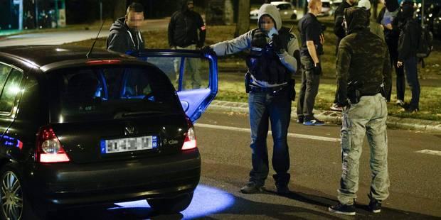 Attentat manqué à Paris: une mère de famille suspecte inculpée et écrouée - La DH