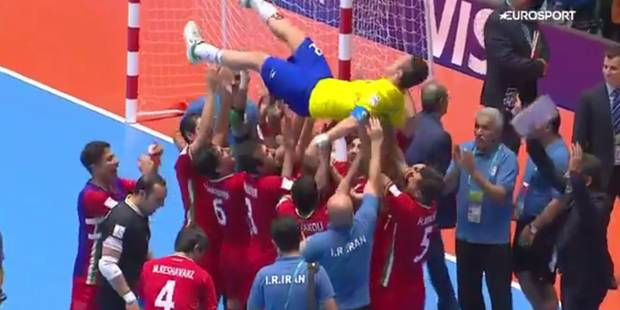 Futsal : le magnifique geste des joueurs iraniens à la Coupe du monde (VIDEO) - La DH