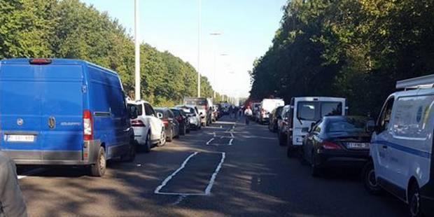 L'autoroute A54 fermée jusqu'à 20H au moins, 7 à 8 km de bouchons cumulés - La DH