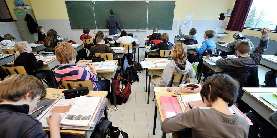 Pr�s de 500 profs sans dipl�me requis demandent des d�rogations