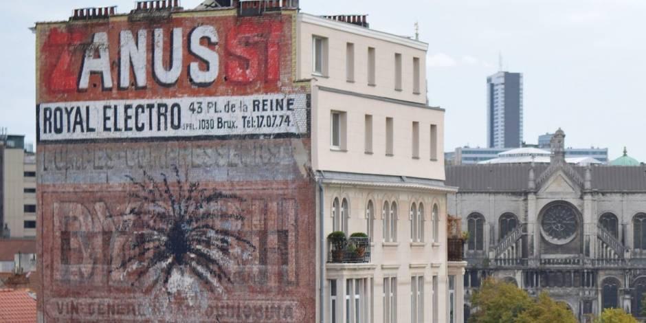 Après le zizi, Bruxelles découvre l'apparition d'un anus !