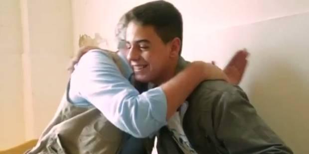 Un acteur de Game of Thrones fait une surprise à un jeune réfugié - La DH