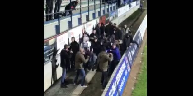 Trois policiers belges en civil repoussent une vingtaine de hooligans néerlandais (VIDEO) - La DH