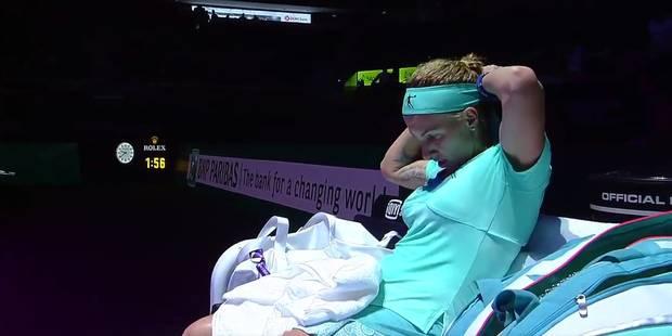 Tennis: Kuznestova se coupe les cheveux en plein match ! - La DH