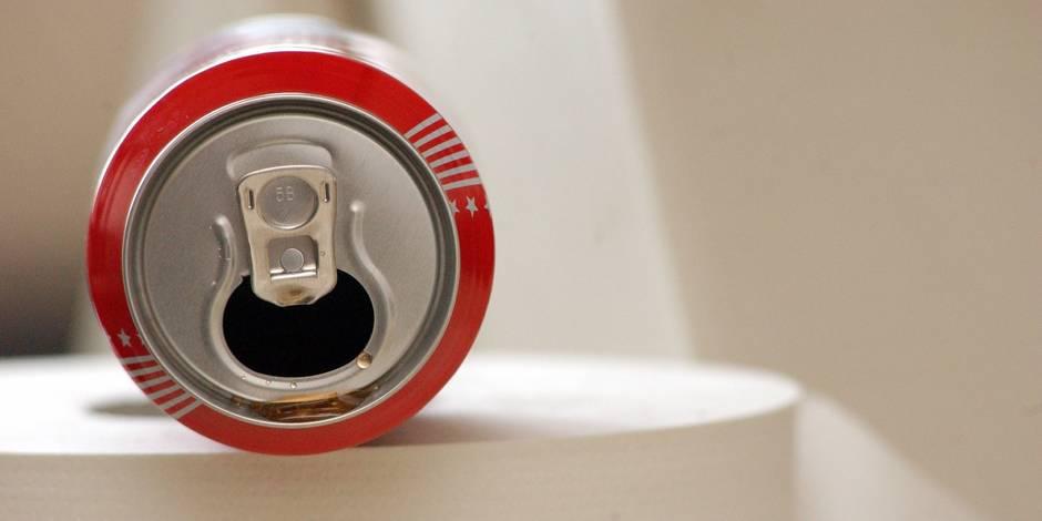 Une mère de famille découvre une chose affreuse dans une bouteille de Cola