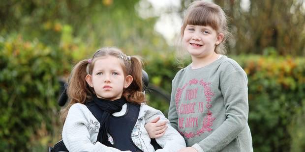 Deux soeurs, Iris et Alex souffrent d'une maladie génétique rare - La DH