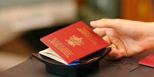 Lutte contre le terrorisme: le stockage des données des passagers approuvé - La DH