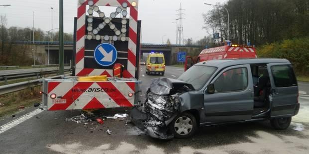 Deux blessés lors d'une collision avec un camion-tampon à Fontaine-L'Eveque (PHOTOS) - La DH