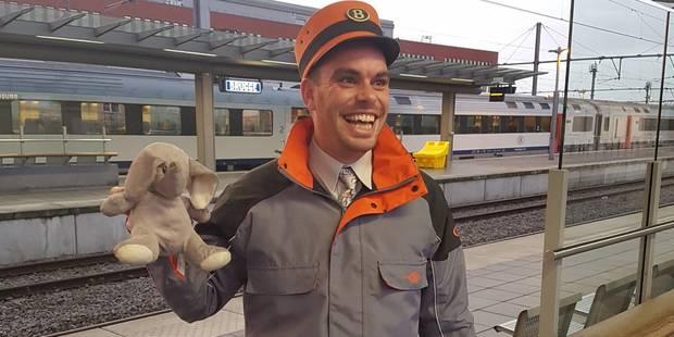 Qui a perdu son doudou éléphant? La SNCB enquête... - La DH