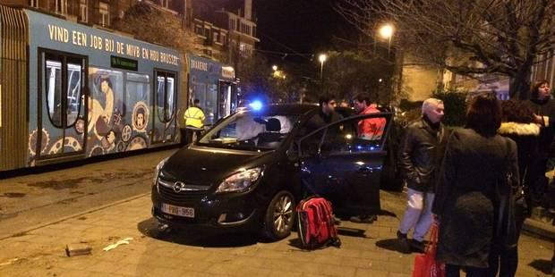 Ixelles : Un tram 94 percute violemment une automobiliste (PHOTOS) - La DH