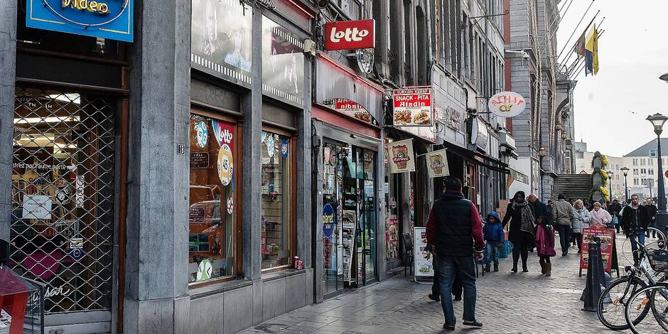 """Trop de faux night-shops à Liège : """"la faute au fédéral"""""""